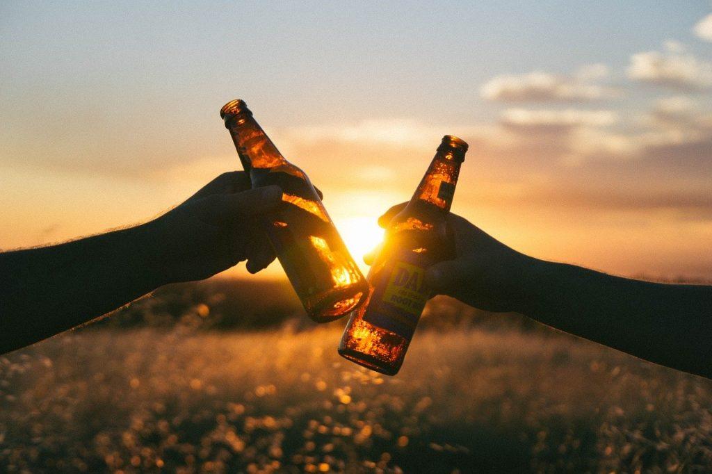 筋トレ後のアルコールは効果を下げる